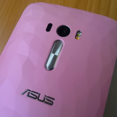Asus Zenfone Selfie volume control and camera button